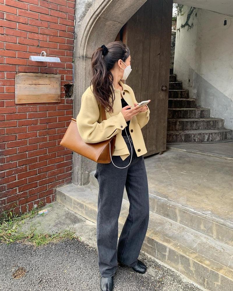 4 phiên bản trẻ trung nhất của áo khoác dạ, chị em nên sắm ngay vì một mùa Đông không già nua chán đời-11