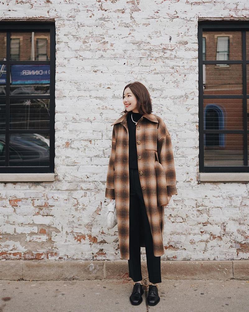 4 phiên bản trẻ trung nhất của áo khoác dạ, chị em nên sắm ngay vì một mùa Đông không già nua chán đời-5