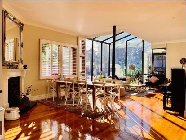Ngôi nhà bình yên ngập tràn nắng gió, hương thơm và phòng khách full kính trong suốt vạn người mơ-3