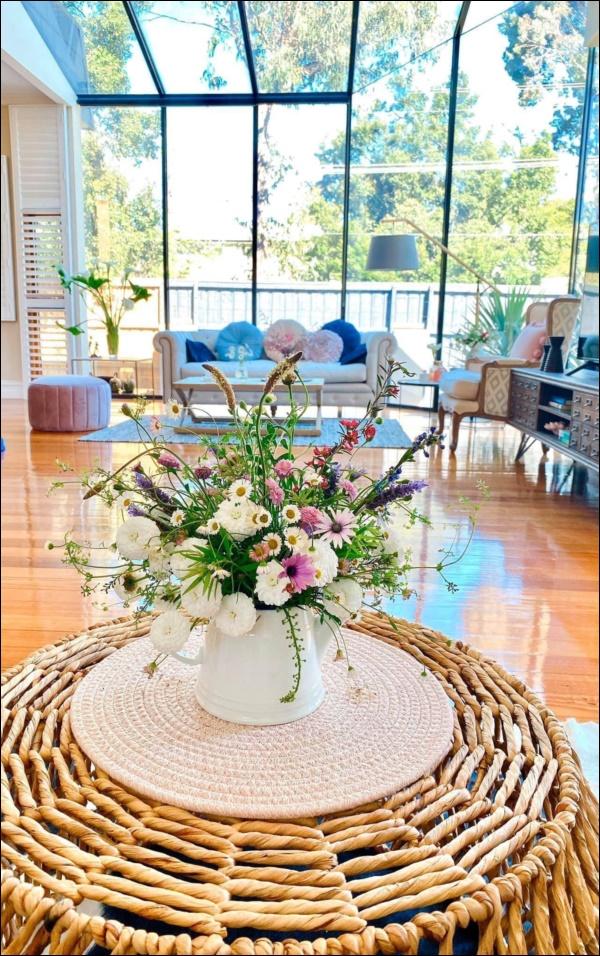 Ngôi nhà bình yên ngập tràn nắng gió, hương thơm và phòng khách full kính trong suốt vạn người mơ-13