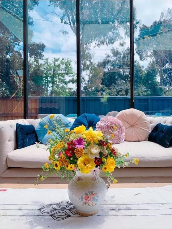 Ngôi nhà bình yên ngập tràn nắng gió, hương thơm và phòng khách full kính trong suốt vạn người mơ-12