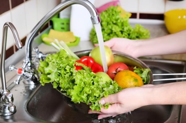 Đừng nhét một đống túi nilon vào bếp, dùng cách này vừa sạch sẽ, gọn gàng lại tiết kiệm được khoản tiền mỗi năm-6