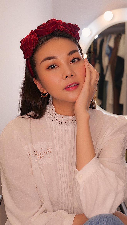 Siêu mẫu Thanh Hằng ở tuổi 37: Chưa lấy chồng, chăm khoe ảnh nóng bỏng-1