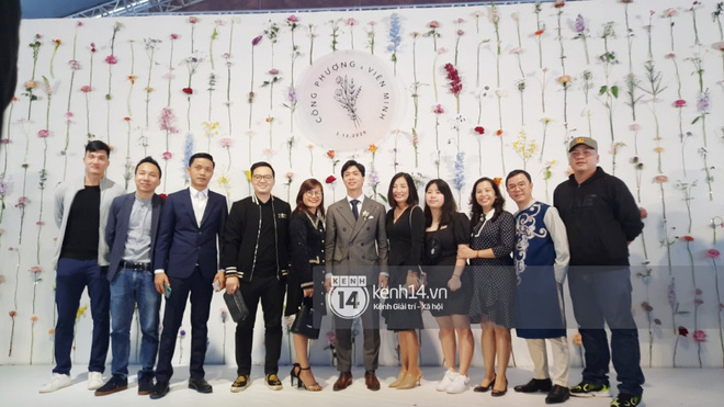 Trực tiếp đám cưới Công Phượng tại Nghệ An: Tân lang tân nương đan chặt tay nhau trên lễ đường, Dế Choắt - Văn Đức rạng rỡ chung khung hình-10