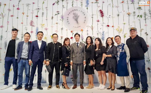 Công Phượng chăm sóc Viên Minh từng li trong lễ cưới ở Nghệ An-6