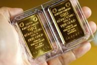 Giá vàng bật tăng mạnh, dân đầu cơ nhanh tay đổ tiền bắt đáy
