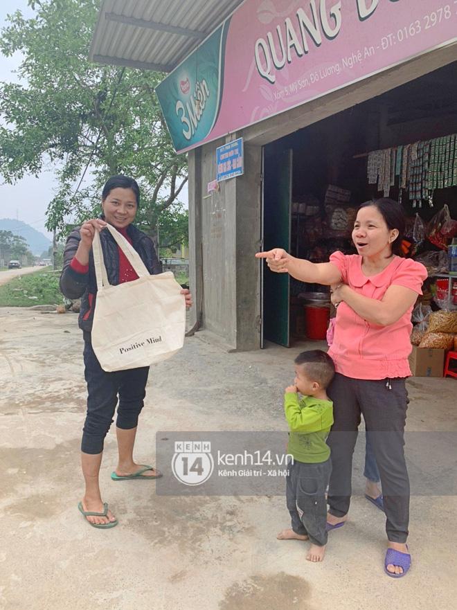 Trực tiếp đám cưới Công Phượng tại Nghệ An: Tân lang tân nương đan chặt tay nhau trên lễ đường, Dế Choắt - Văn Đức rạng rỡ chung khung hình-2