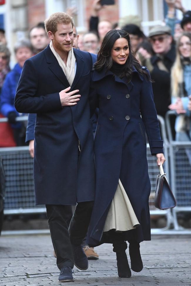 Meghan Markle hóa ra là cao thủ diện áo khoác dáng dài, xem mà học được 11 outfit để style sang như người Hoàng gia-3