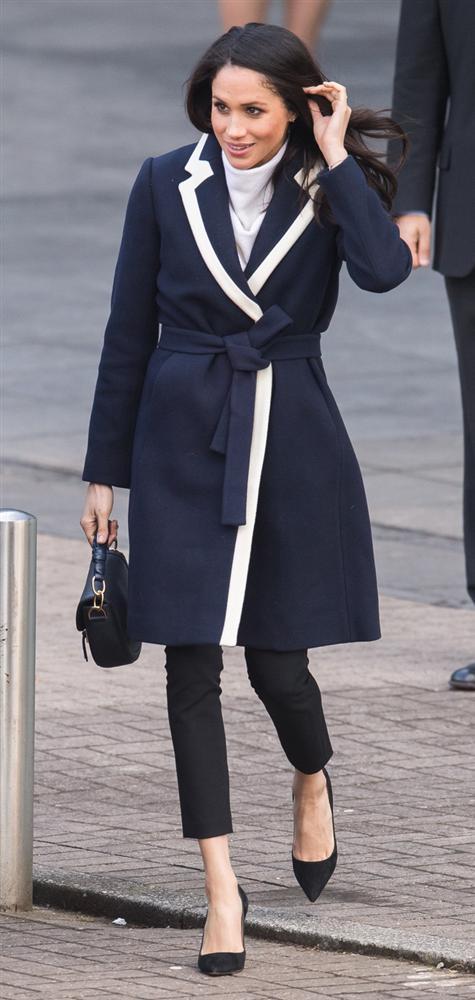 Meghan Markle hóa ra là cao thủ diện áo khoác dáng dài, xem mà học được 11 outfit để style sang như người Hoàng gia-8
