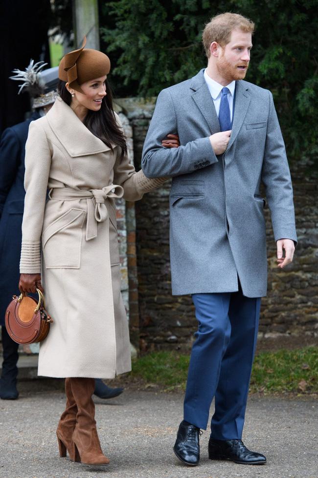 Meghan Markle hóa ra là cao thủ diện áo khoác dáng dài, xem mà học được 11 outfit để style sang như người Hoàng gia-9