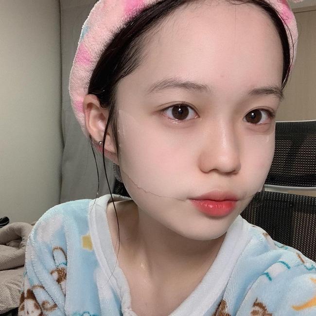 Phụ nữ Hàn có 5 tips tưởng đơn giản mà thông minh vô cực để giữ da luôn mọng mướt bất chấp trời Đông khô hanh tới đâu-1