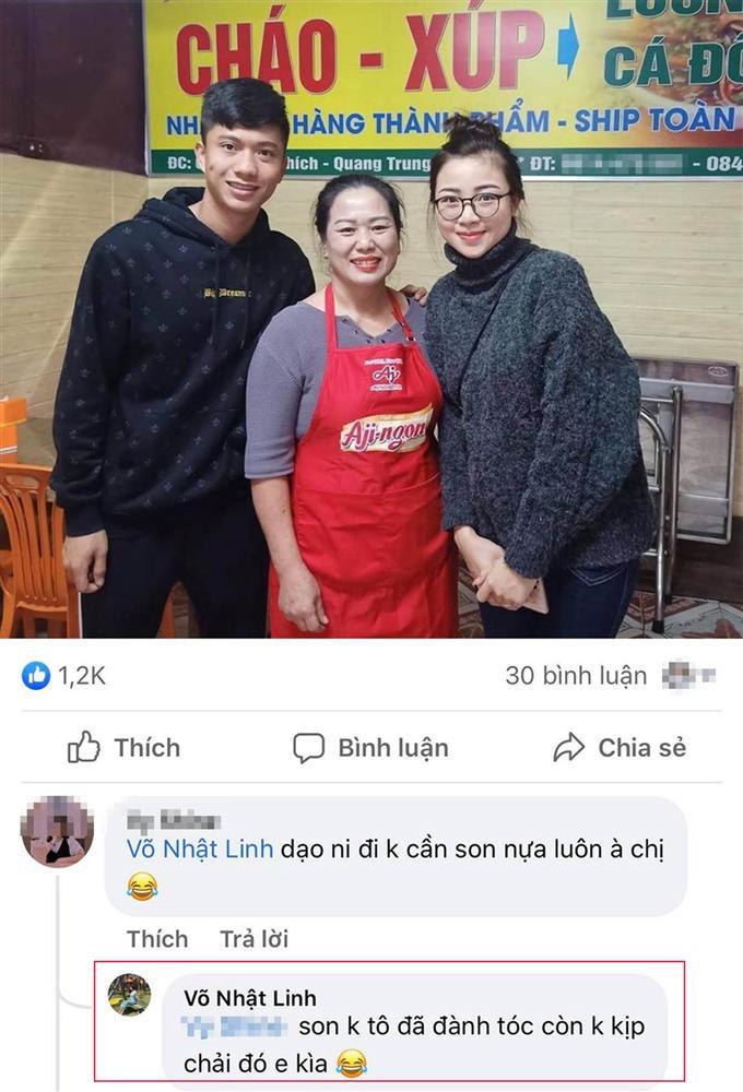 Vợ chồng Phan Văn Đức trốn con gái đi ăn đặc sản, dân tình khen nét trẻ trung của người vợ dù không tô son, không chải tóc-1