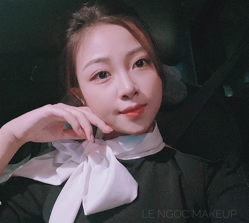 Vợ chồng Phan Văn Đức trốn con gái đi ăn đặc sản, dân tình khen nét trẻ trung của người vợ dù không tô son, không chải tóc-2