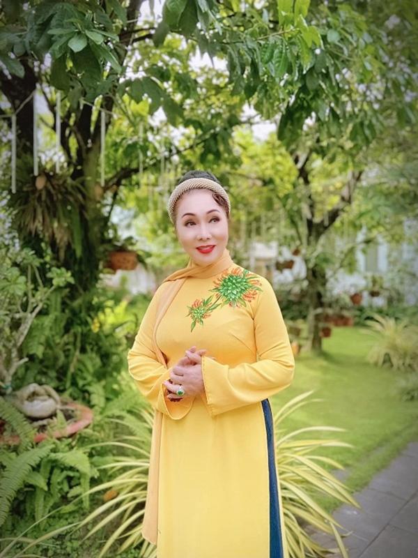 Khám phá không gian sống trong biệt thự của NSND Bạch Tuyết tại TP Hồ Chí Minh-16
