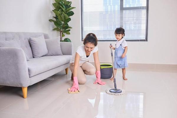 Trả gần 500k để con làm việc nhà, bà mẹ ngỡ ngàng phát hiện âm mưu không tưởng tượng nổi của cô con gái láu cá-3