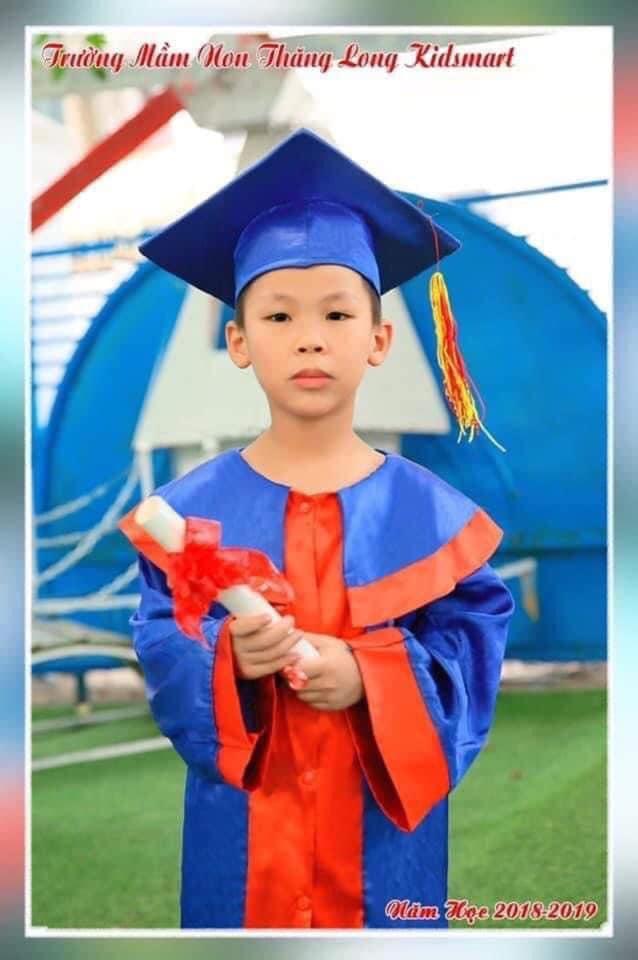 Hà Nội: Bé trai 8 tuổi mất tích bí ẩn khi ra trường chơi lúc chập tối-1