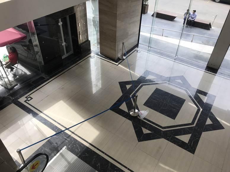 """Vụ người đàn ông rơi từ tầng 2 thang máy chung cư xuống đất ở Hà Nội: Thang do chủ đầu tư lắp đặt thêm, sai thiết kế và vận hành chui""""-4"""