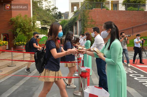 Sở GD&ĐT Hà Nội: Học sinh phải đeo khẩu trang từ nhà đến trường-1
