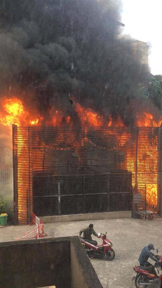 Hà Nội: Cháy hệ thống điều hòa chung cư, hàng trăm cư dân hoảng loạn tháo chạy-1