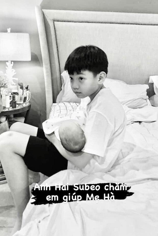 Chỉ đăng 1 bức ảnh cuối tuần, Hà Hồ đã hé lộ được luôn thái độ của Subeo đối với 2 em sinh đôi-2