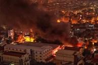 Hà Nội: Cháy lớn tại nhà kho công ty dược phẩm Hà Tây, cột khói bốc cao hàng chục mét khiến nhiều người hoảng sợ