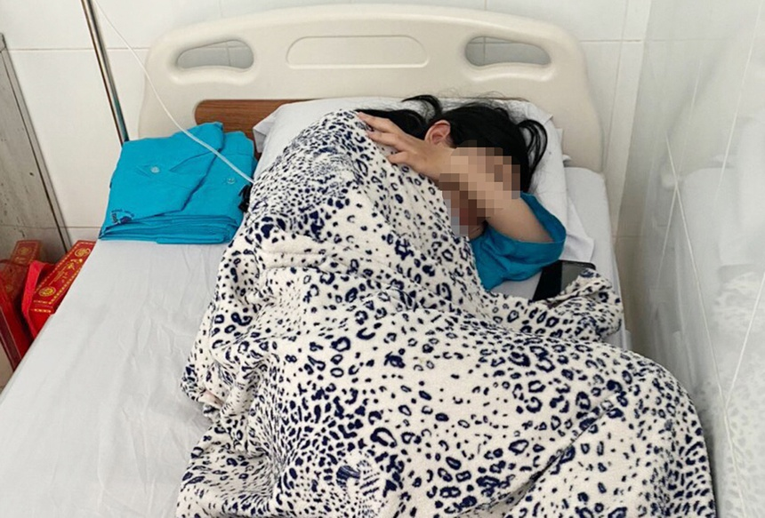 Vụ nữ sinh tự tử ở An Giang: Bêu tên dưới cờ là nhục mạ học sinh-1