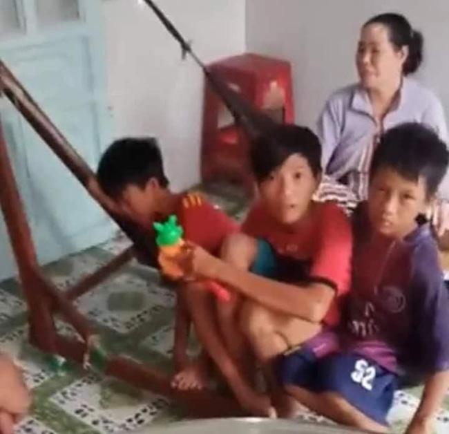Câu chuyện diệu kỳ nhất hôm nay: 3 anh em đạp xe từ Cà Mau lên Sài Gòn vì quá nhớ mẹ, có 55 nghìn để dành bơm bánh xe chứ không dám ăn và cuộc hội ngộ bất ngờ-1
