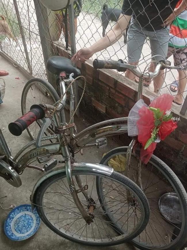 Câu chuyện diệu kỳ nhất hôm nay: 3 anh em đạp xe từ Cà Mau lên Sài Gòn vì quá nhớ mẹ, có 55 nghìn để dành bơm bánh xe chứ không dám ăn và cuộc hội ngộ bất ngờ-3