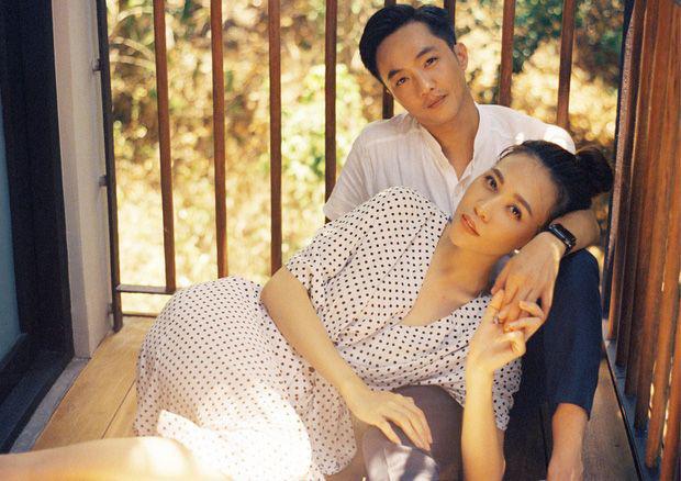 Đàm Thu Trang khoe ảnh toàn cảnh biệt thự bạc tỷ về đêm, dân tình chỉ mải nhìn khoảnh khắc cực tình của 2 vợ chồng-6