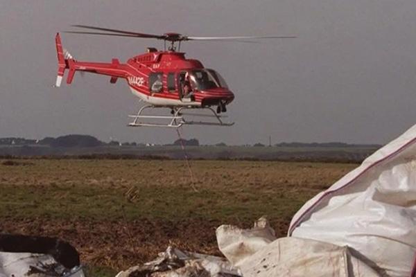 Rơi máy bay trực thăng rơi ở dãy núi Alps (Pháp), 6 người mất tích-1