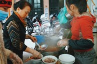 Lạ lùng quán bún 'nhà giàu thời bao cấp', ngày bán 600 bát ở Hà Nội