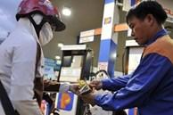 Giá xăng tăng mạnh, chờ quyết định chiều ngày mai