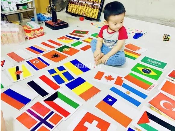 Cậu bé 3 tuổi nói tiếng Anh như gió, có trí nhớ kinh ngạc, bố tiết lộ bí quyết giúp con tự học phụ huynh nào cũng có thể làm theo-1