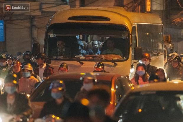 Chuyện ở Hà Nội: Ùn tắc không mất đi, nó chỉ chuyển từ đường này sang đường khác!-14
