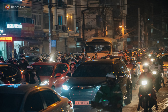 Chuyện ở Hà Nội: Ùn tắc không mất đi, nó chỉ chuyển từ đường này sang đường khác!-22