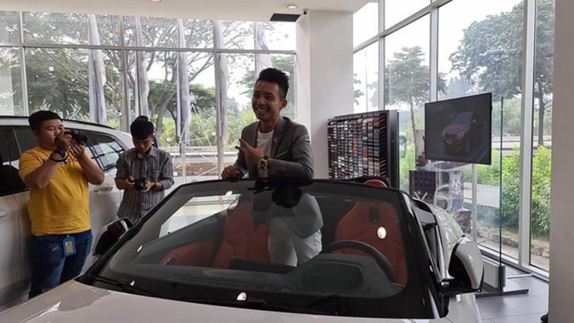 Một người tiết lộ cách đại gia Minh Nhựa đi mua một lúc 3 chiếc xe ô tô hạng sang bằng cách nở nụ cười nhẹ như lông hồng, đẳng cấp đại gia chính là đây!?-5