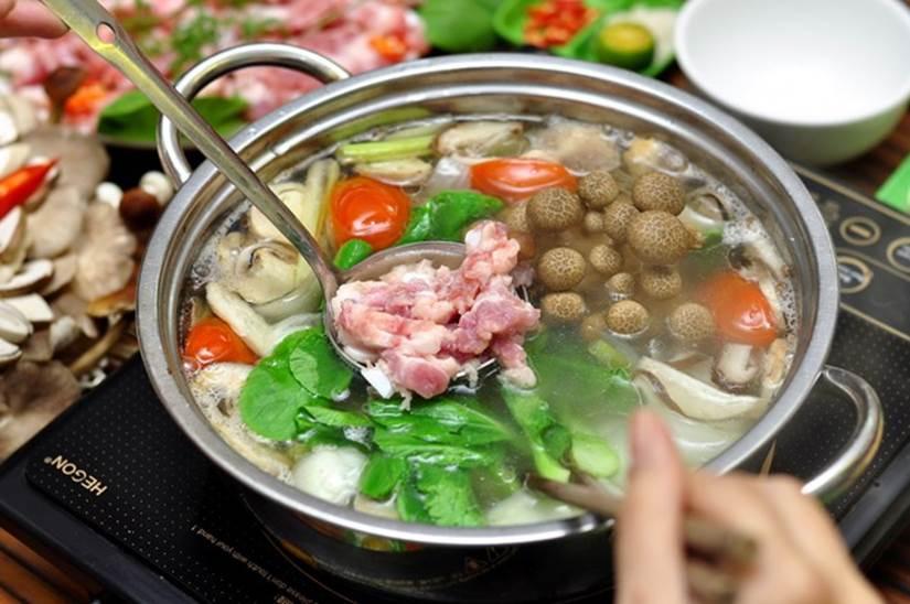 Ăn lẩu mùa lạnh nên tránh kết hợp với 5 loại rau này vì có thể hại tiêu hóa, gây ngộ độc, tổn thương cơ thể-2