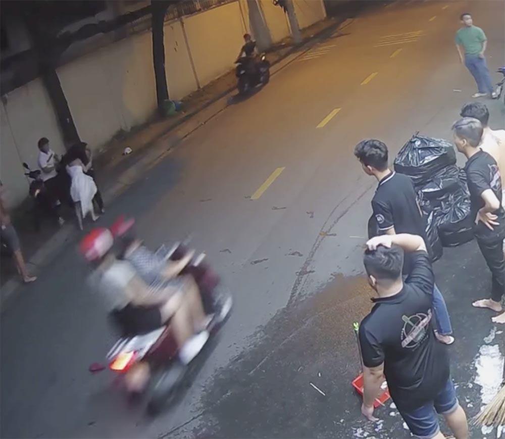 Xác định thanh niên đánh đập cô gái, dọa chém người can ngăn ở Sài Gòn-1