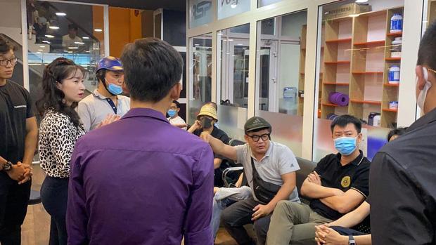 Dàn sao Vbiz đã đến gặp nam gymer xúc phạm NS Chí Tài, Cát Phượng - Huỳnh Phương hé lộ chi tiết buổi nói chuyện-5