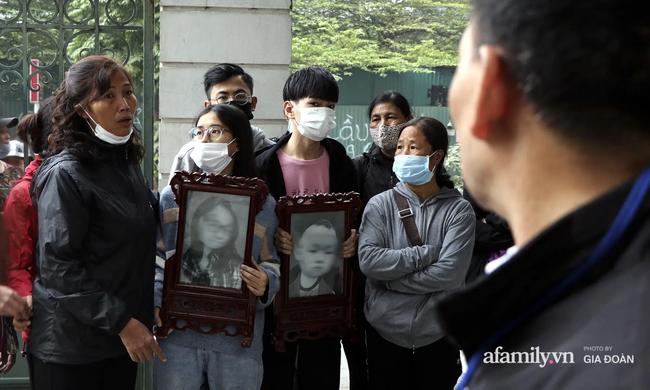 Nước mắt người ở lại trong vụ chồng cuồng ghen giết vợ và con trai 2 tuổi ở Hà Nội: Sao nó lại nỡ lòng sát hại cả đứa con ruột của mình-1