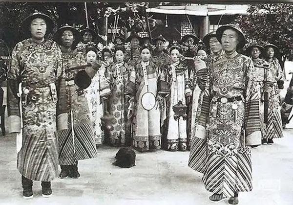 4 thói quen của Từ Hy Thái hậu khiến người hầu khiếp sợ, điều cuối lý giải vì sao thái giám Lý Liên Anh được độc sủng-2