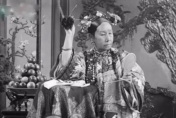 4 thói quen của Từ Hy Thái hậu khiến người hầu khiếp sợ, điều cuối lý giải vì sao thái giám Lý Liên Anh được độc sủng-5