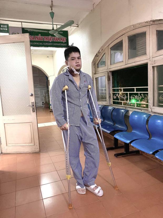 Hot TikToker Long Chun phát hiện khối u nguy hiểm ở xương hàm, phải phẫu thuật ngay lập tức nên xin rút khỏi Gương Mặt Thân Quen-4