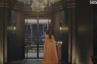 Cuộc sống siêu giàu ở 'Penthouse' được tái hiện thế nào?