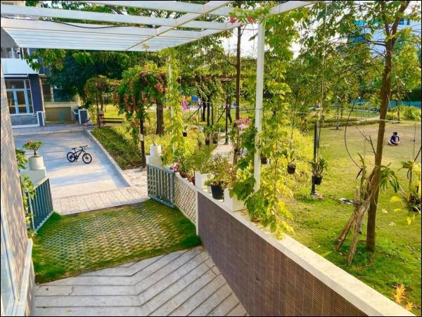 NSƯT Trịnh Kim Chi phụ chồng đại gia làm vườn, hé lộ vườn lan đắt giá trong biệt thự rộng 200m2-9