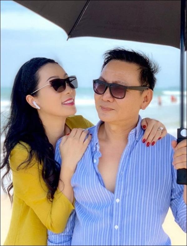 NSƯT Trịnh Kim Chi phụ chồng đại gia làm vườn, hé lộ vườn lan đắt giá trong biệt thự rộng 200m2-14