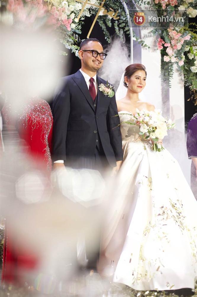 Bức ảnh quy tụ dàn cựu hot girl Hà thành trong đám cưới MC Thu Hoài, các cháu 2k khó đọ được bầu trời nhan sắc ấy-1