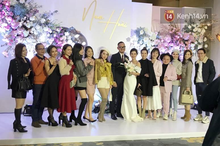 Bức ảnh quy tụ dàn cựu hot girl Hà thành trong đám cưới MC Thu Hoài, các cháu 2k khó đọ được bầu trời nhan sắc ấy-4