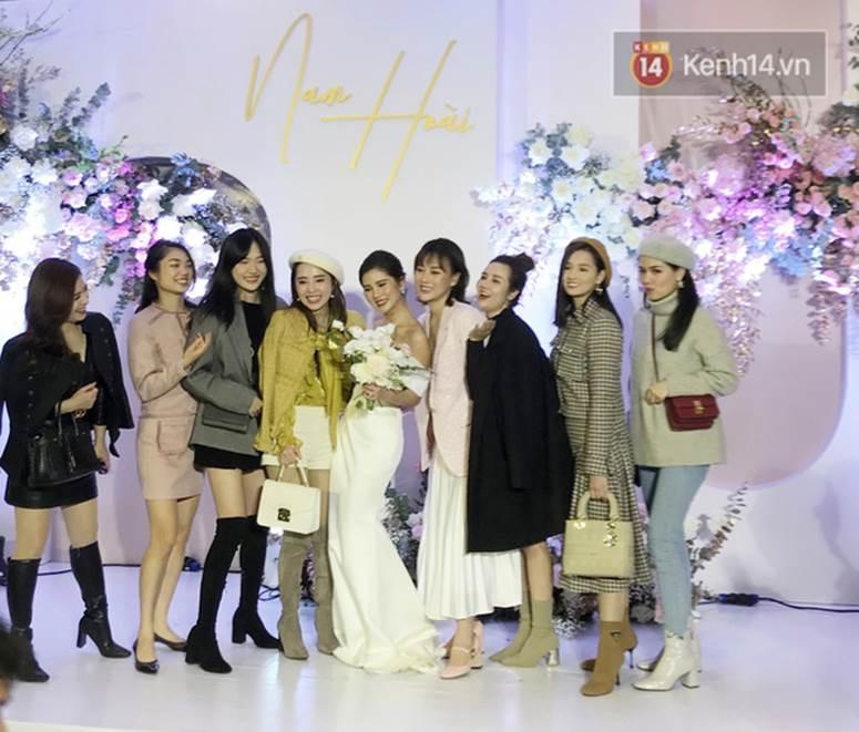 Bức ảnh quy tụ dàn cựu hot girl Hà thành trong đám cưới MC Thu Hoài, các cháu 2k khó đọ được bầu trời nhan sắc ấy-6