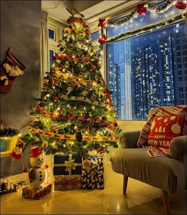 8 ý tưởng trang trí nhà cửa đẹp mê lycho ngày lễ Giáng sinh thêm an lành, ấm áp-2